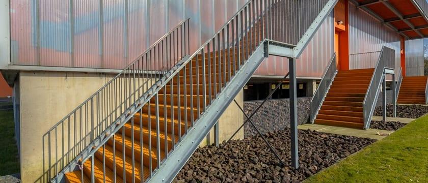 Instrucciones para subir una escalera - El blog de Cermex
